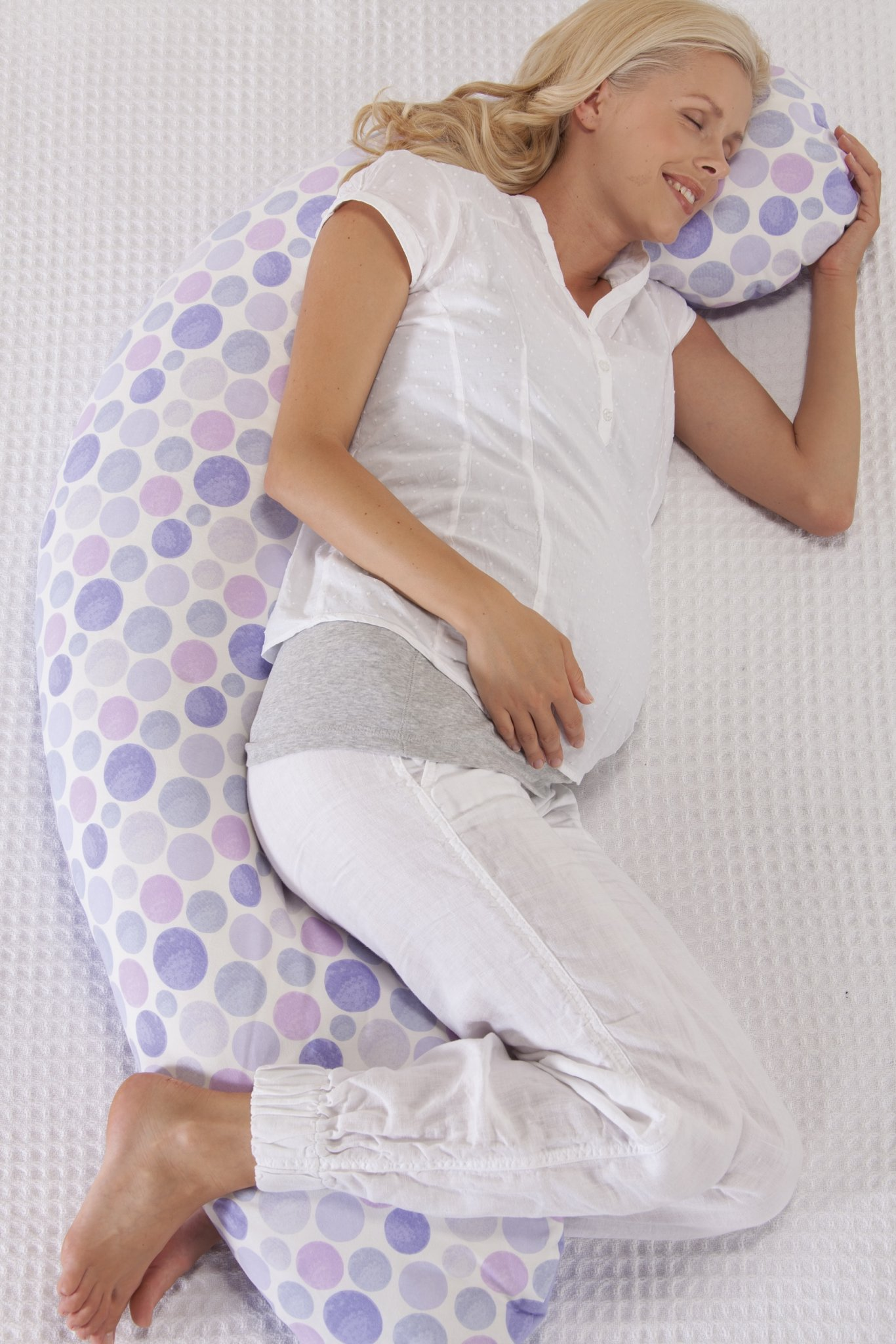 Original Theraline Maternity and Nursing Pillow Review - lovefrommim.com Pregnancy Pillow Maternity Pillow Sleep Discomfort when Pregnant Pregnancy Insomnia How to sleep better when Pregnant
