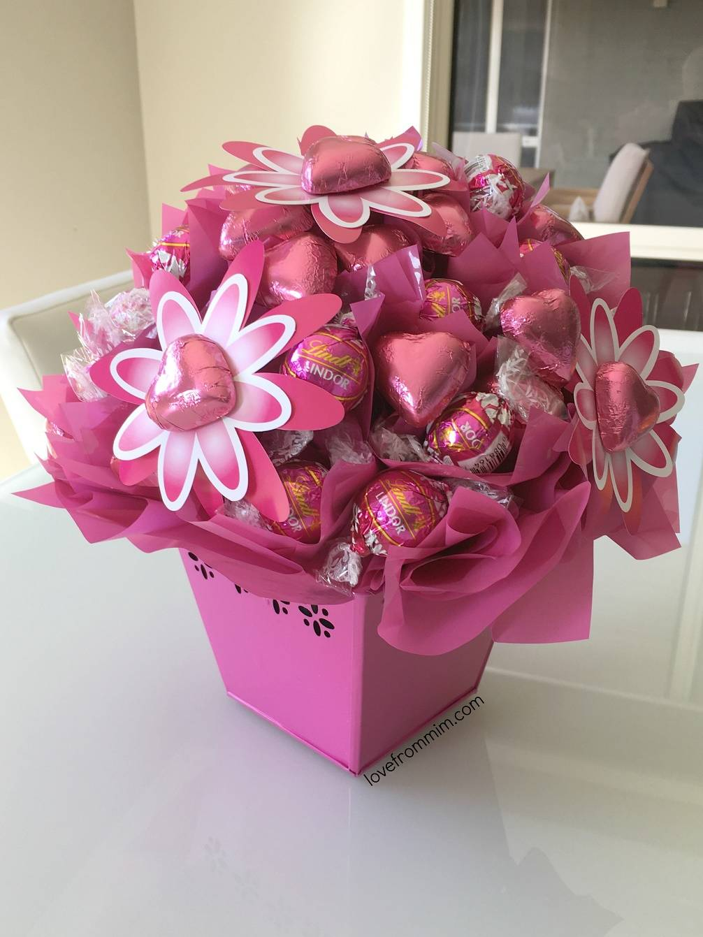 Tastebuds Edible Bouquets Review - lovefrommim.com Floral Gift Mother's Day National Breast Cancer Foundation Lindt Raspberry Lindt Balls Chocolate Bouquet